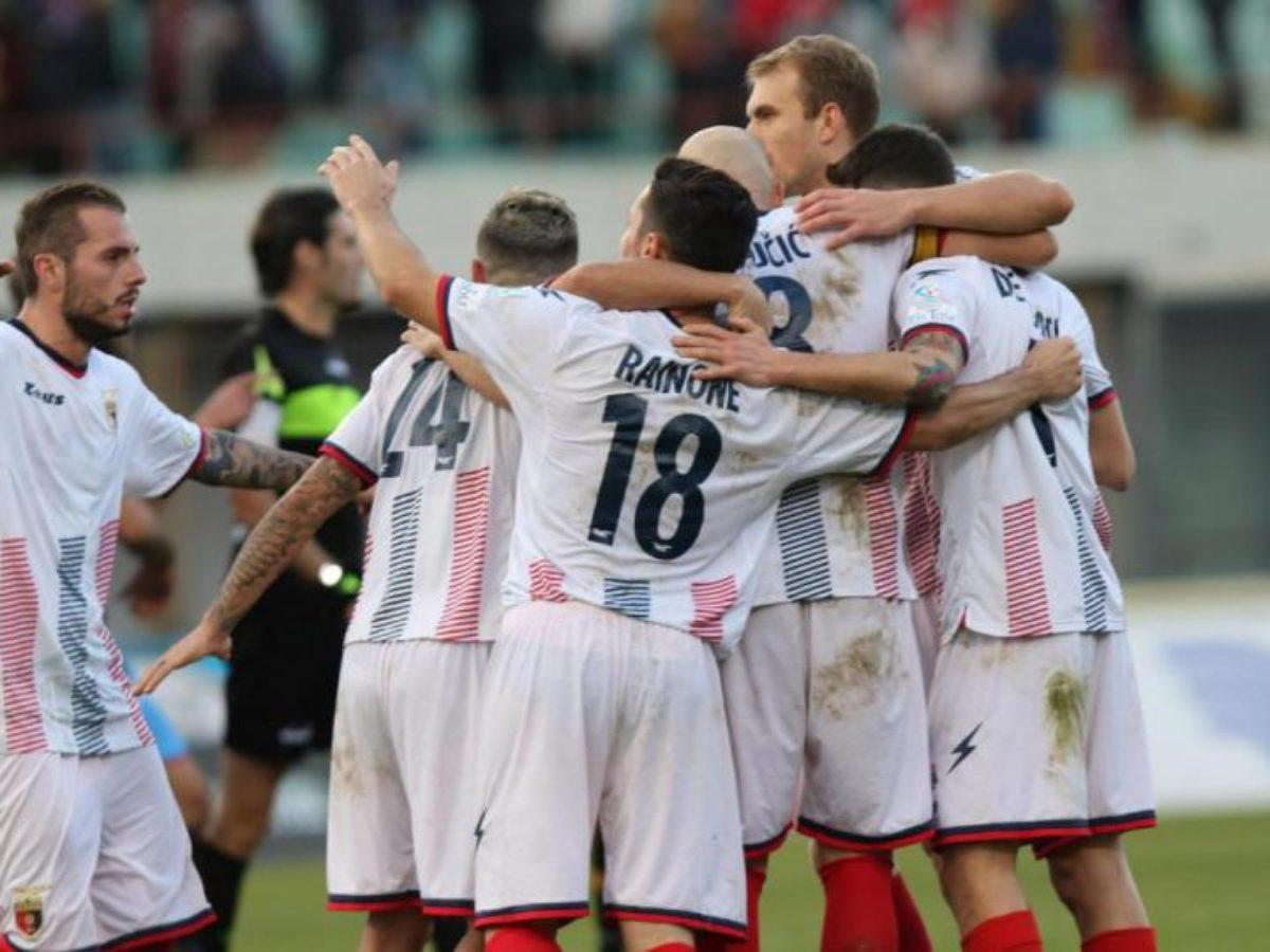 Catania - Casertana 1-2: Lucarelli e la sua mirabolante